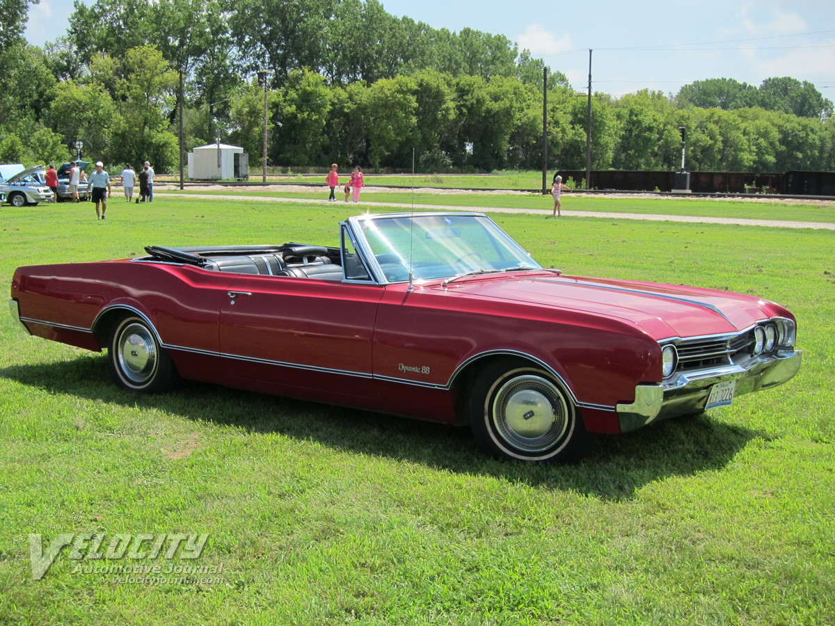 1966 Oldsmobile Dynamic 88 convertible