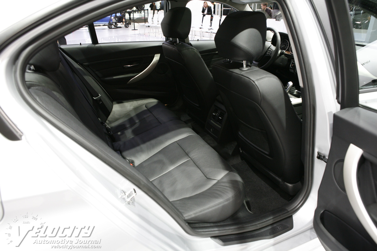 2012 BMW 3-Series sedan Interior
