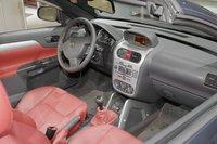 2006 Opel Tigra Twintop Interior