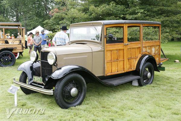 1932 Ford station wagon