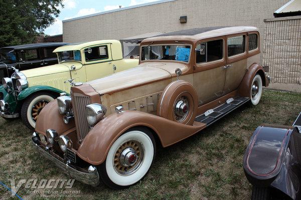 1934 Packard Twelve 1108 7p Sedan