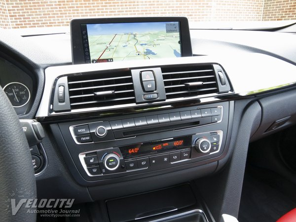 2012 BMW 3-Series 335i sedan Instrumentation