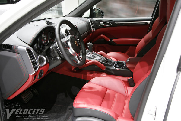 2014 Porsche Cayenne Turbo S Interior