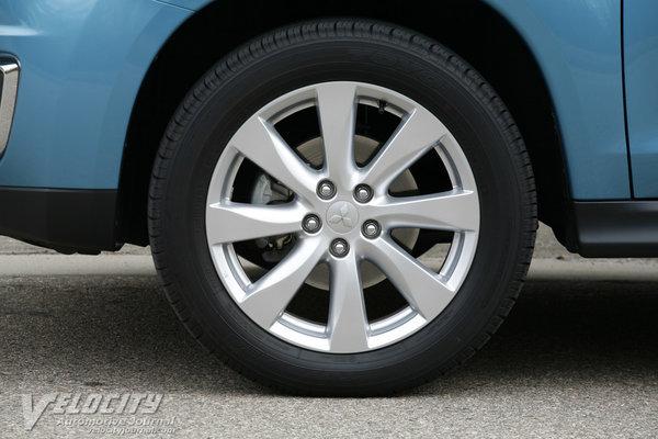2013 Mitsubishi Outlander Sport SE Wheel