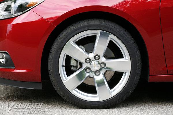 2013 Chevrolet Malibu LTZ Wheel