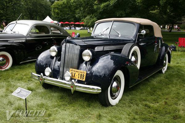 1939 Packard One Twenty