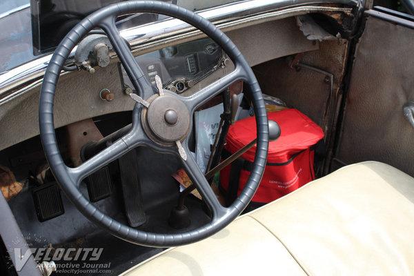 1930 Auburn 8-95 Phaeton Sedan Interior