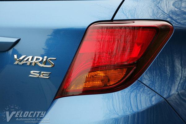 2015 Toyota Yaris SE 5d Liftback
