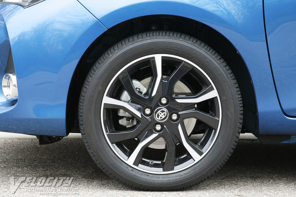 2015 Toyota Yaris SE 5d Liftback Wheel
