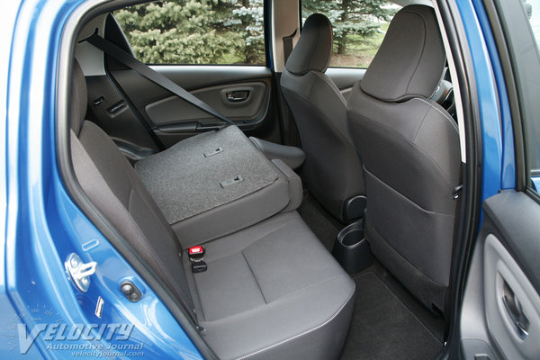 2015 Toyota Yaris SE 5d Liftback Interior