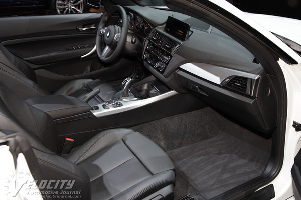 2015 BMW 2-Series Convertible Interior