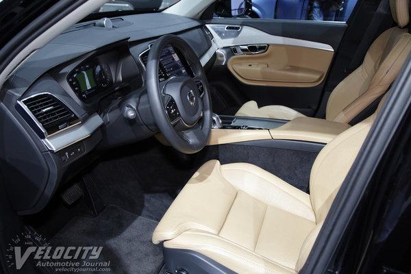 2016 Volvo XC90 Plug-In Hybrid Interior