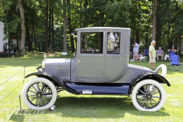 1919 Ford Model T Coupe by Fisher Body