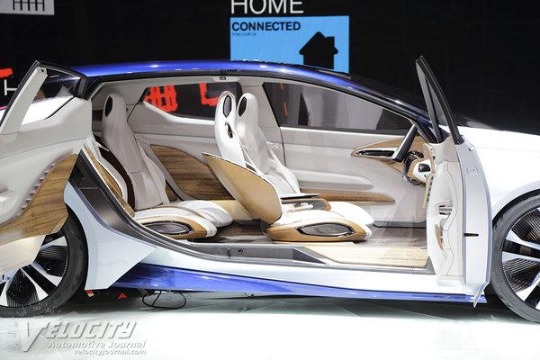 2015 Nissan IDS Interior