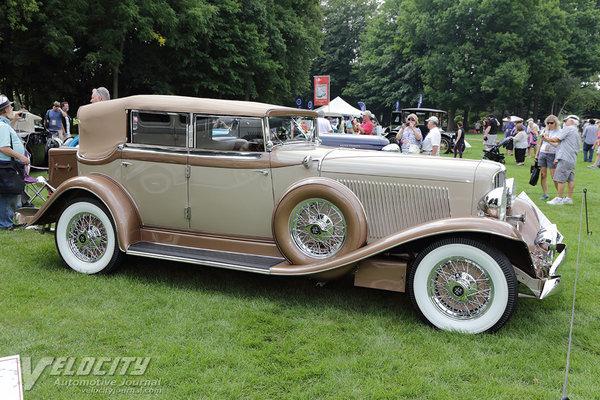 1933 Auburn 12-165 Phaeton Sedan