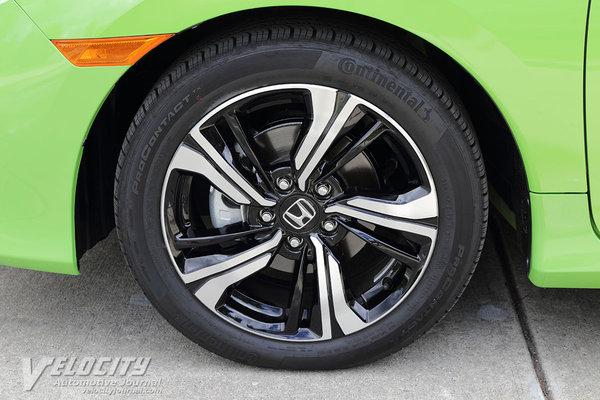 2016 Honda Civic coupe Wheel