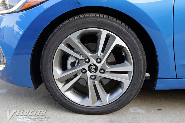 2017 Hyundai Elantra Limited sedan Wheel