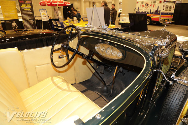 1932 Chrysler CI Roadster Interior