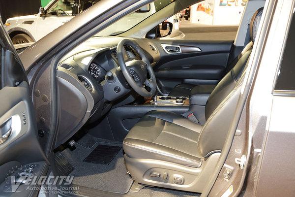 2017 Nissan Pathfinder Midnight Edition Interior