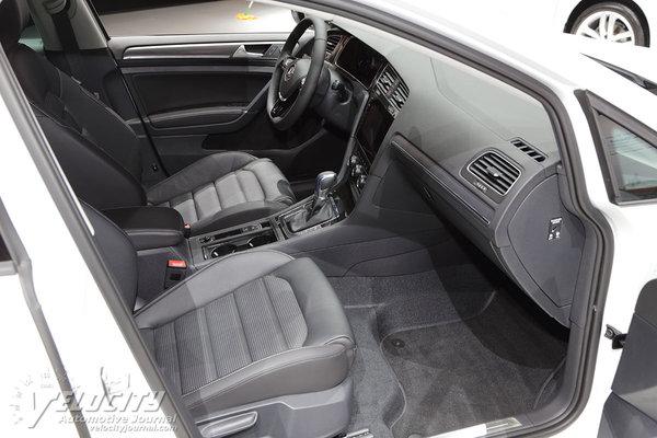 2017 Volkswagen Golf e-Golf Interior