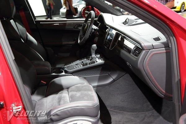 2018 Porsche Macan GTS Interior