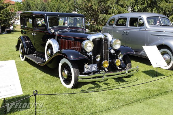 1932 Chrysler CP8 Eight sedan
