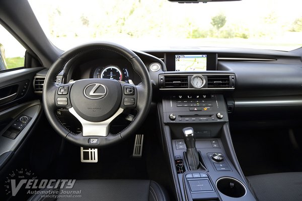 2017 Lexus RC Instrumentation