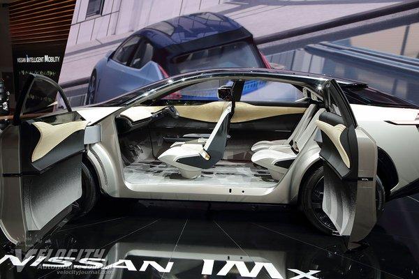 2017 Nissan IMx Interior