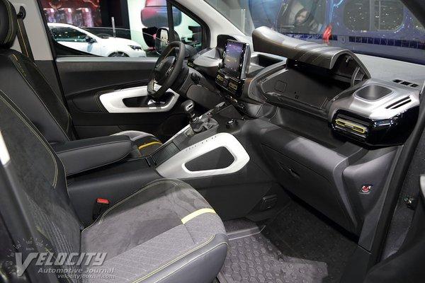 2018 Peugeot Rifter 4x4 Interior