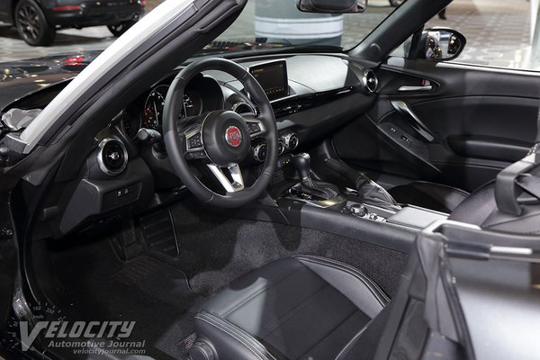 2018 Fiat 124 Spider Interior