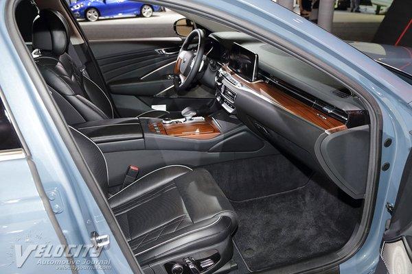 2019 Kia K900 Interior