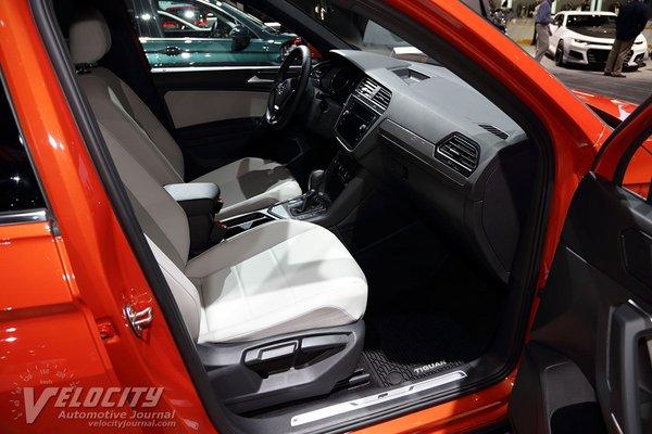 2018 Volkswagen Tiguan R-Line Interior
