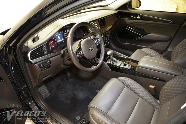 2018 Kia Cadenza SXL Interior