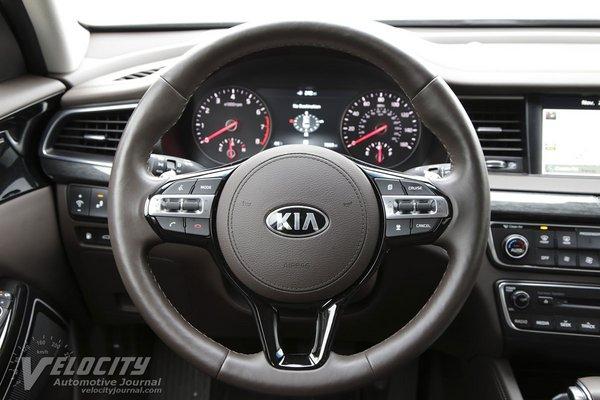 2018 Kia Cadenza SXL Instrumentation