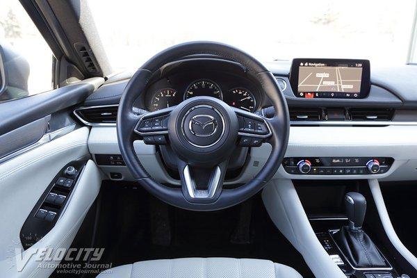 2018 Mazda Mazda6 Signature Instrumentation
