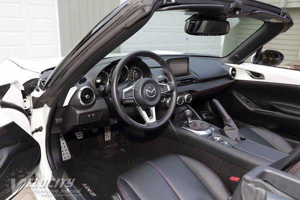 2019 Mazda MX-5 Interior