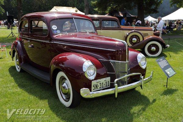 1940 Ford DeLuxe Tudor 2d sedan