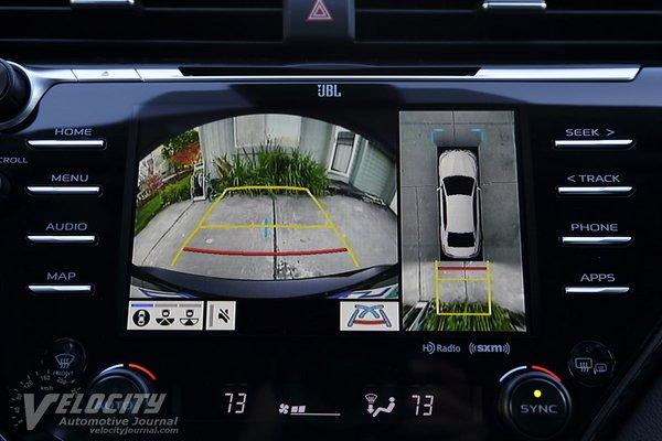2019 Toyota Camry XLE Instrumentation