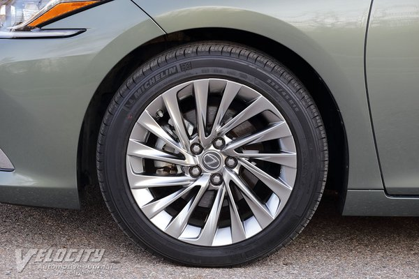 2019 Lexus ES 350 Ultra Luxury Wheel