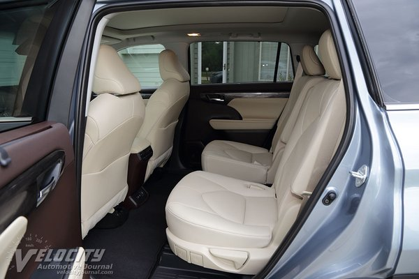 2020 Toyota Highlander Platinum AWD Interior