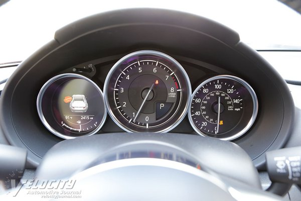 2020 Mazda MX-5 RF Club Instrumentation