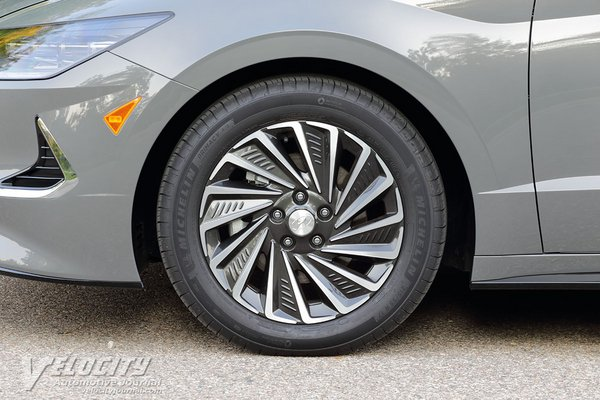 2020 Hyundai Sonata Hybrid Limited Wheel