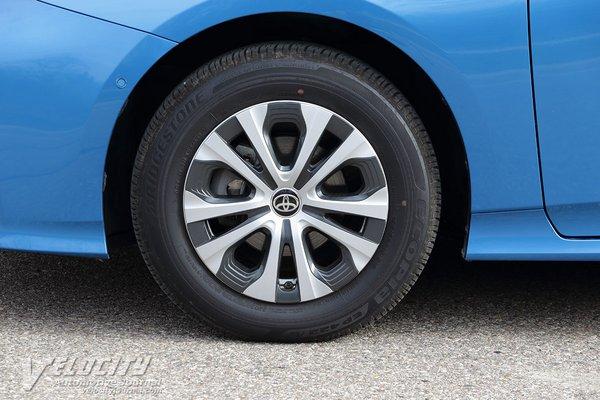 2020 Toyota Prius XLE AWDe Wheel