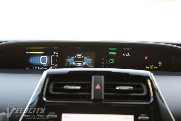 2020 Toyota Prius XLE AWDe Instrumentation