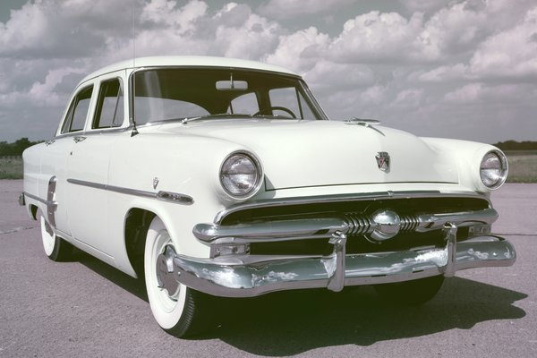 1953 Ford Customline 4d sedan
