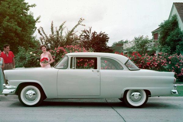1956 Ford Mainline 2d sedan