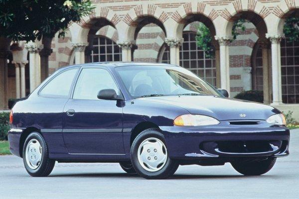 1996 Hyundai Accent 3d