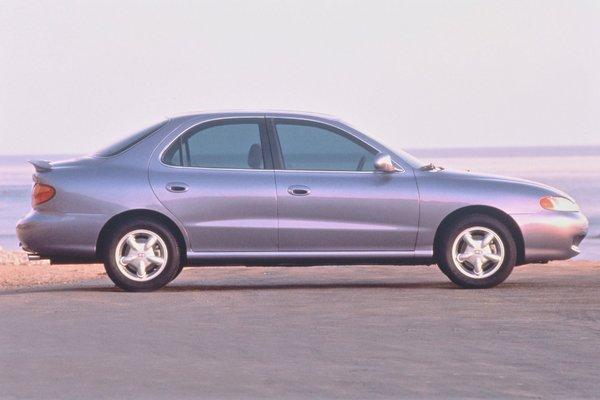1996 Hyundai Elantra sedan