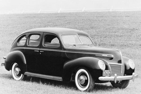 1939 Mercury 99A 4d sedan