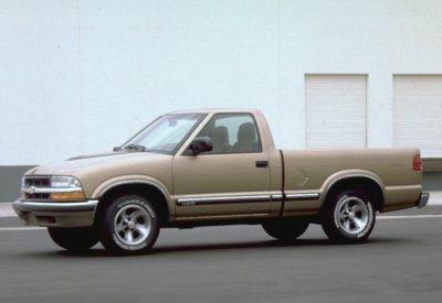 2000 Chevrolet S10 LS